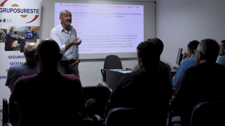 Fundación Colucho y Grupo Sureste becan la formación de jóvenes desempleados
